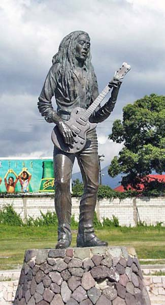 Sculpture of Marley, by Alvin Marriott